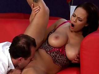 Big Teat Squirting MILF Part 1 www.maturewifehub.com