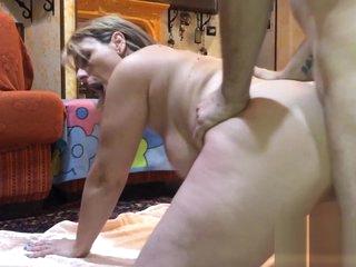 Moglie italiana adora il cazzo grosso del marito
