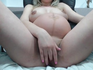 Prego Babe With Broad in the beam Pussy Increased by Boobs On Webcam -Deviant