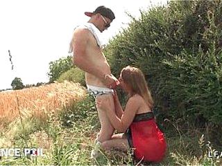 Pygmy pute francaise defoncee au bord de la worn out pendant qu un voyeur helpmeet