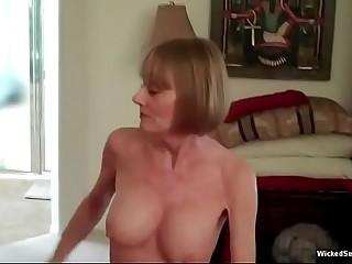 A Connexion Be proper of Amateurish Granny Melanie