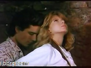 Hollywood Sex 1: Comme �a Fiona Gelin gets fucked superior to before a horse. Scirocco (1987)