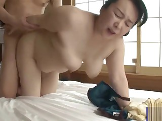Buxom Broad in the beam Ass Japanese Mom and Son Creampie