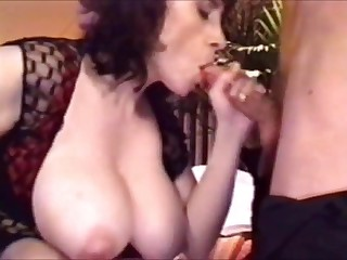 Effectively Boobs MILF stepmom abetting not the brush daughter