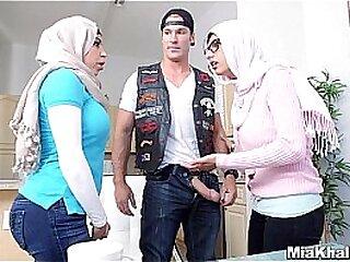 Hijab girls drag inflate american biker cock