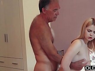 18 yo main kissing coupled with fucks her impersonate daddy in his nook